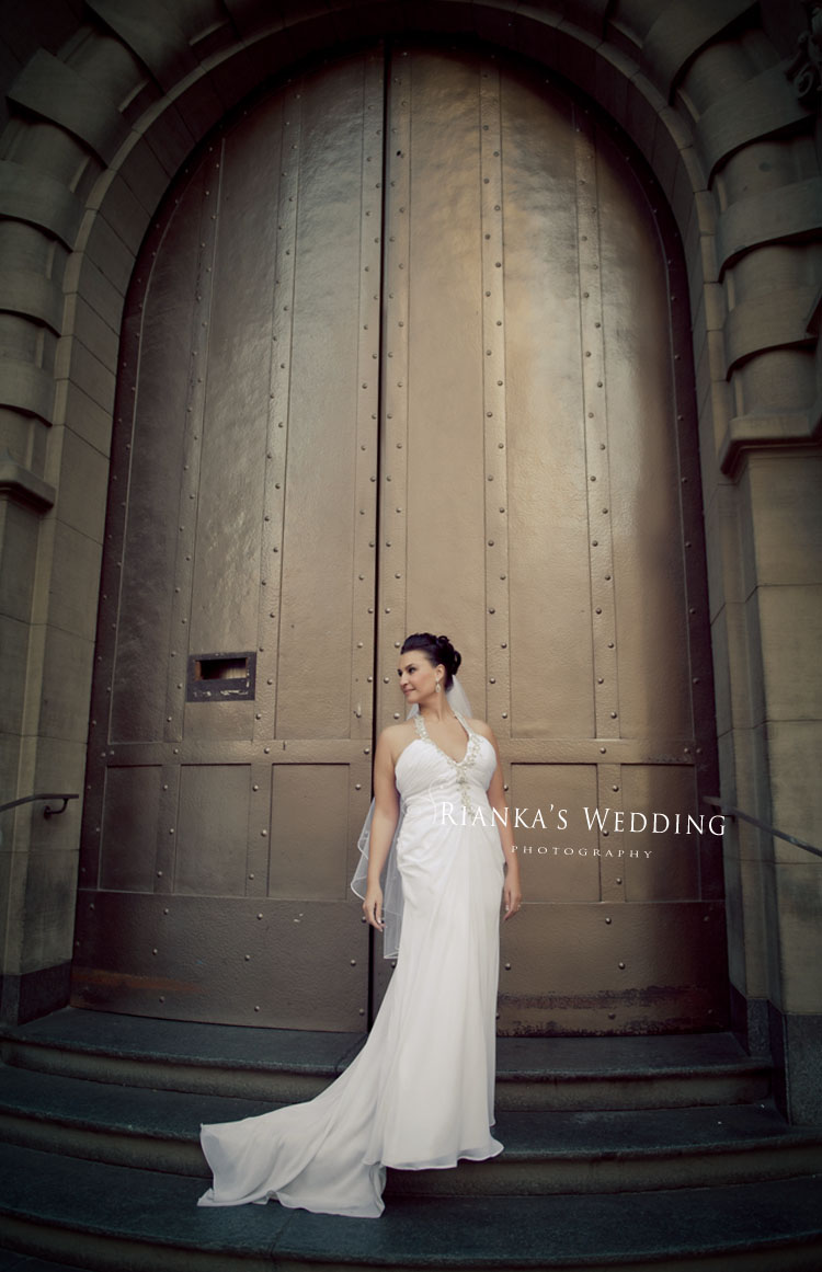 riankas_wedding_photography_down_town_johannesburg_after_wedding_shoot (11)
