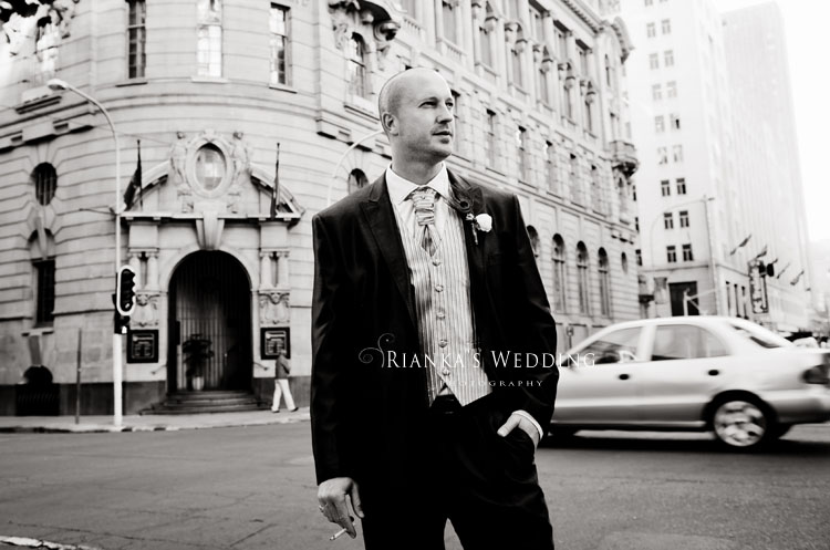 riankas_wedding_photography_down_town_johannesburg_after_wedding_shoot (9)