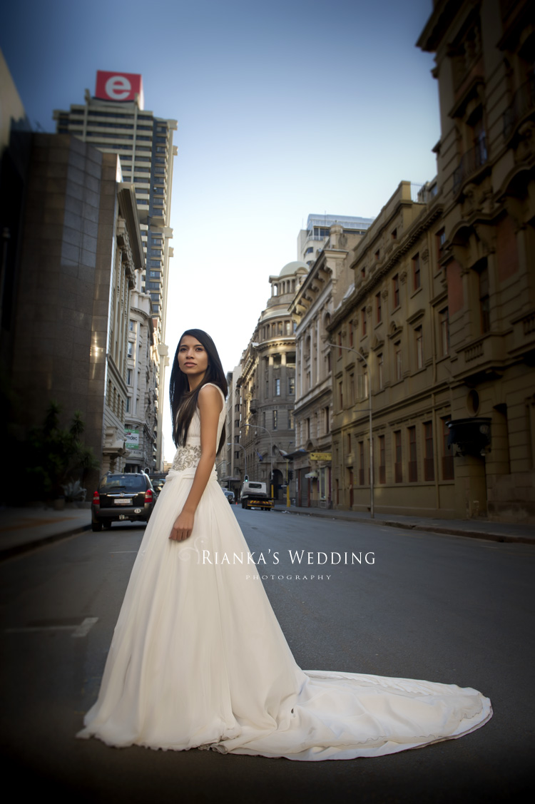 riankas_wedding_photography_rashaad_raeesha_wedding_westcliff_hotel_gauteng_down_town_shoot_rand_club0037