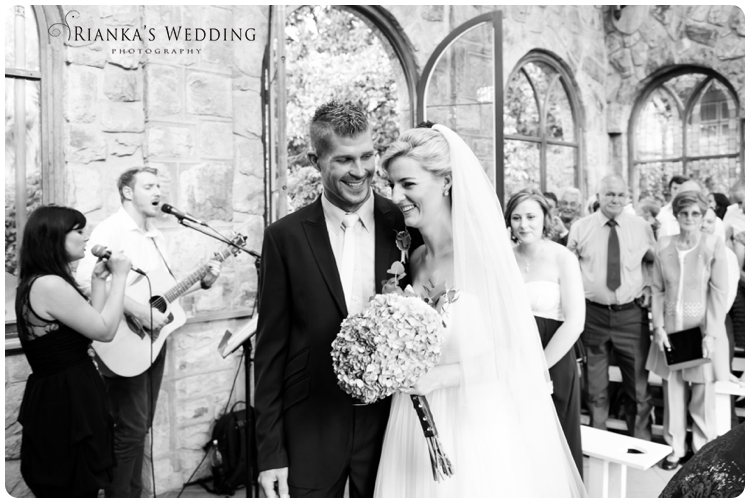riankas wedding photography yolande morne shepstone garden wedding_00049
