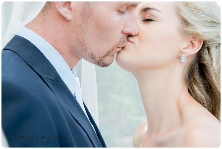 riankas wedding photography yolande morne shepstone garden wedding_00082