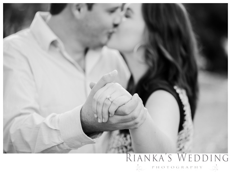 riankas weddings picnic engagement shoot0004