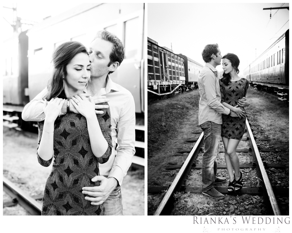 riankas wedding photography hanieh dario engagement train susnset shoot_00031