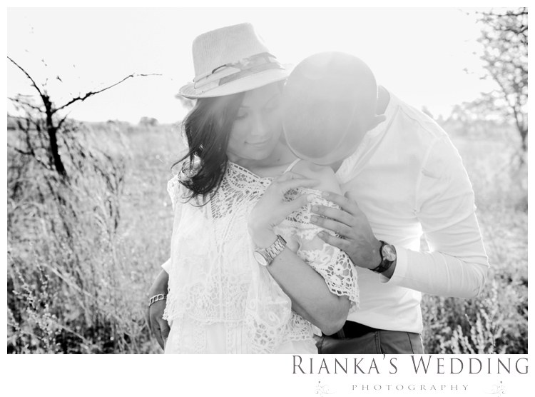 riankas weddings haley rory country engagement00020