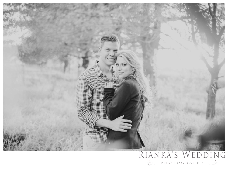 riankas wedding photography in love engagement shoot00051