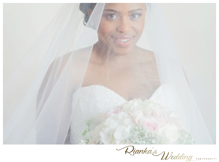 riankas wedding photography thato zweli longmeadow piano lounge00037