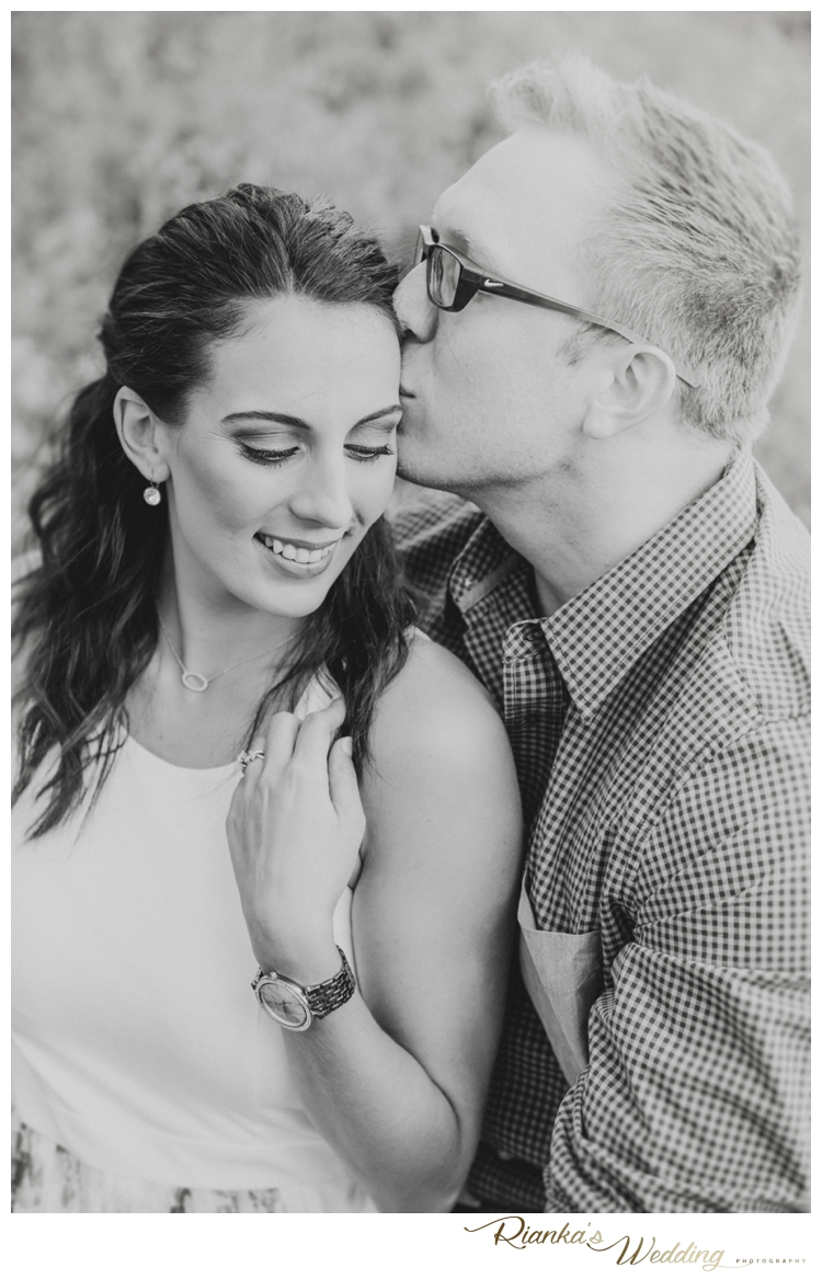 riankas wedding photography in love engagement shoot simone george florence guest farm00003