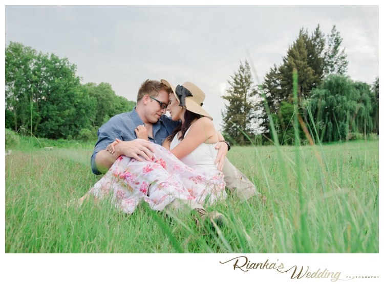 riankas wedding photography in love engagement shoot simone george florence guest farm00020
