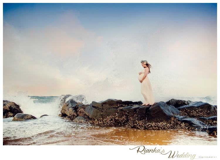 riankas weddings maternity sand beach shoot00001