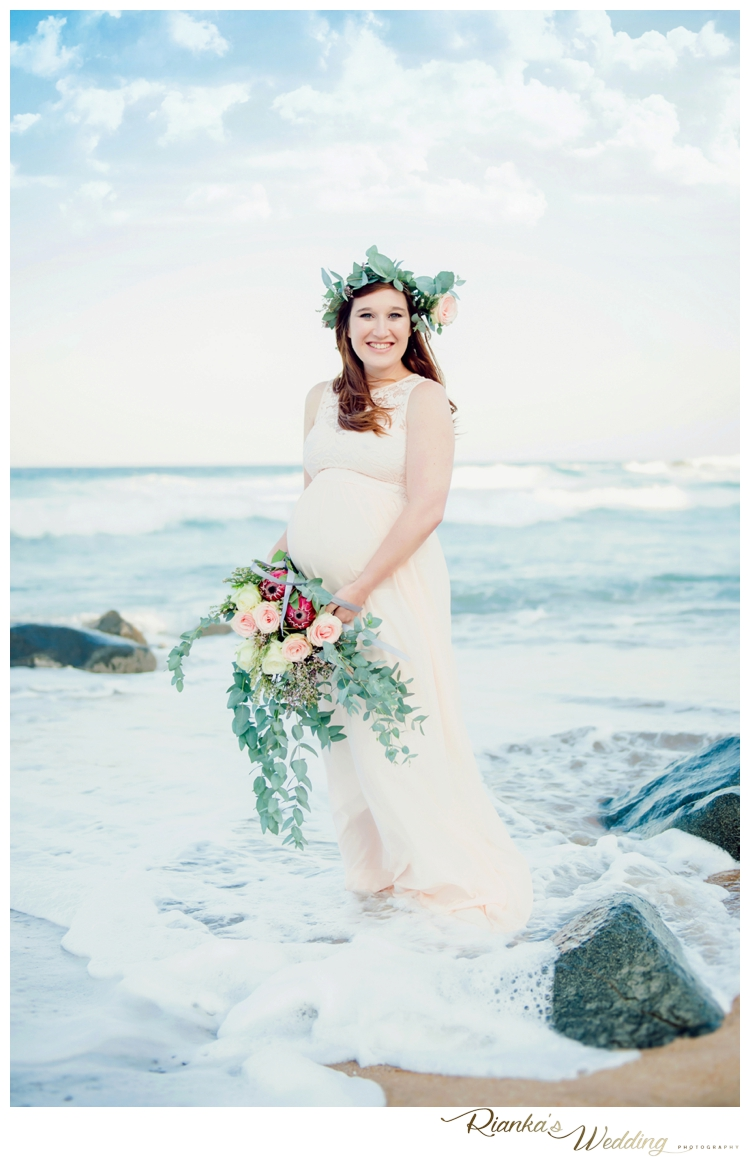 riankas weddings maternity sand beach shoot00003