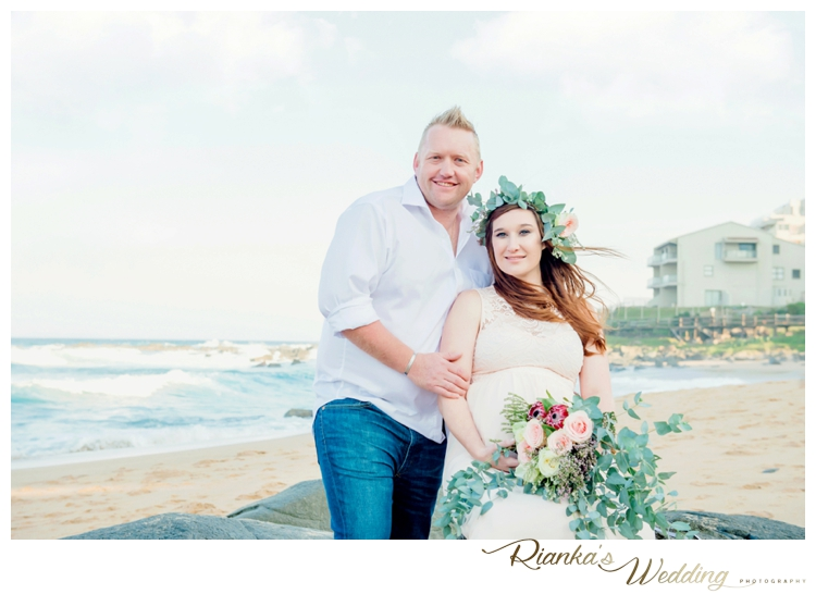 riankas weddings maternity sand beach shoot00011