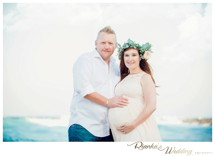 riankas weddings maternity sand beach shoot00017