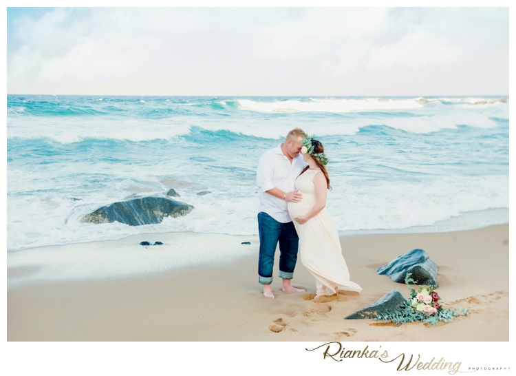 riankas weddings maternity sand beach shoot00018