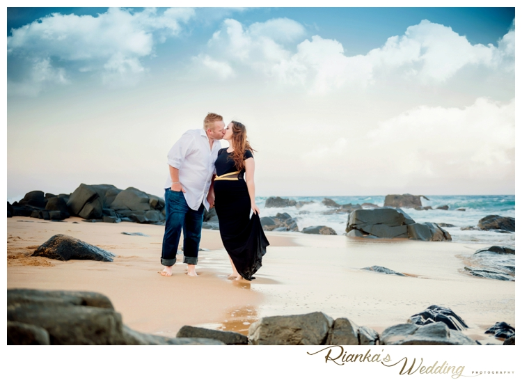 riankas weddings maternity sand beach shoot00028