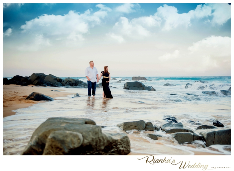 riankas weddings maternity sand beach shoot00041