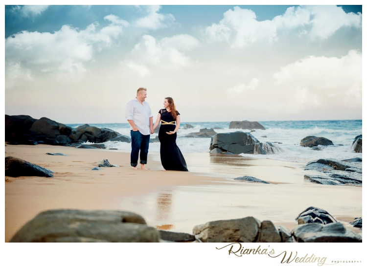 riankas weddings maternity sand beach shoot00046